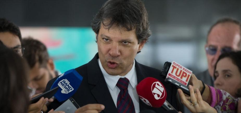 [Mesmo com Lula preso, Haddad toca programa de governo do PT]