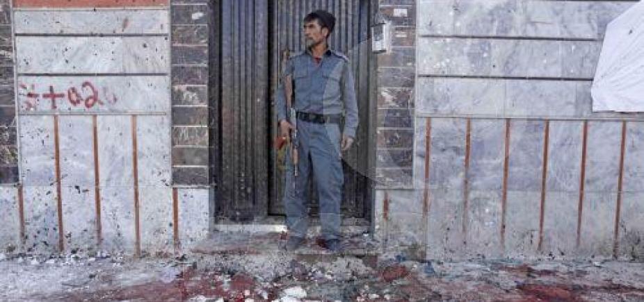 [Atentado deixa 53 mortos em Cabul]