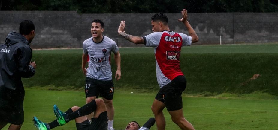 [Vitória enfrenta Atlético-MG fora de casa na tarde de hoje ]
