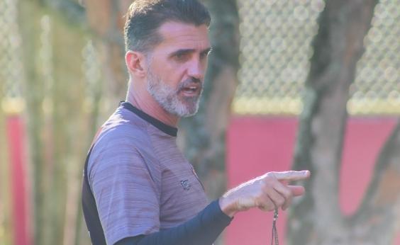 Mancini fala de reforços e lamenta falhas do Vitória contra o Atlético-MG