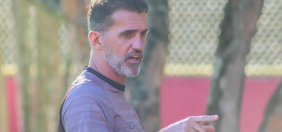 [Mancini fala de reforços e lamenta falhas do Vitória contra o Atlético-MG]