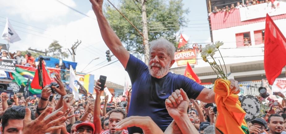 [Prisão de Lula impulsiona filiações, e PT lança campanha com o nome do petista]