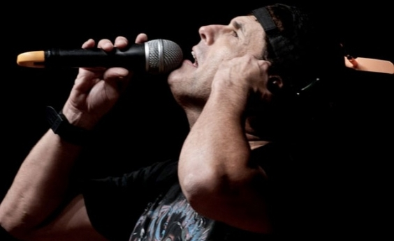 Sérgio Mallandro faz stand-up em Salvador em junho