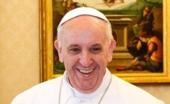 Papa Francisco distribui sorvetes para celebrar o dia de São Jorge