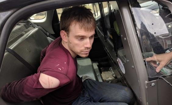 Atirador que matou 4 em restaurante nos EUA é preso