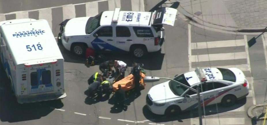 [Agência confirma morte de cinco pessoas atropeladas em Toronto]