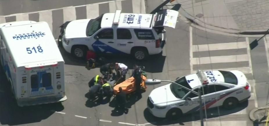 [Atualização: Nove pessoas morreram em atropelamento em Toronto]