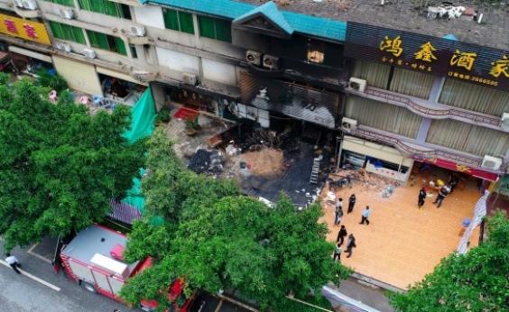 Incêndio mata 18 pessoas em uma casa de karaokê na China