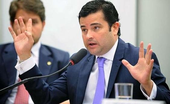 PF cumpre mandado no gabinete e na casa de deputado pernambucano