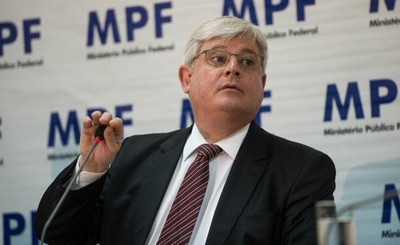Janot desiste de vaga no Conselho Superior do MPF