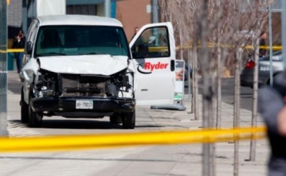 Suspeito de ataque com van em Toronto é réu por dez homicídios