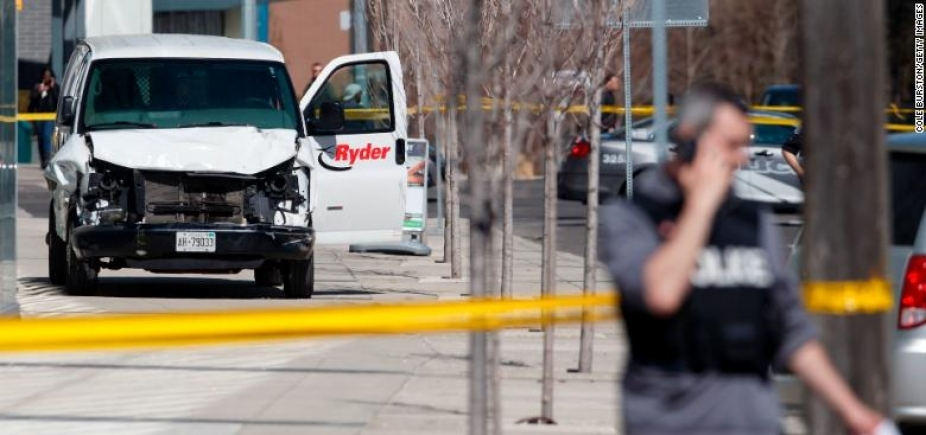 [Suspeito de ataque com van em Toronto é réu por dez homicídios]