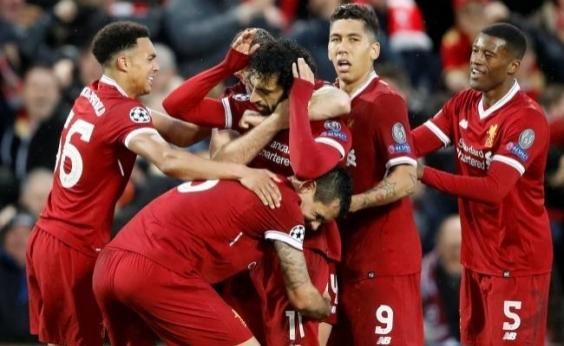 Liverpool vence a Roma por 5 a 2 com show de Salah e Firmino