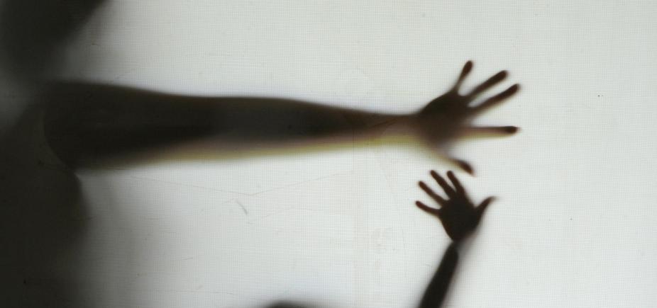 [Jornal das 10: saiba onde denunciar abuso sexual infantil ]