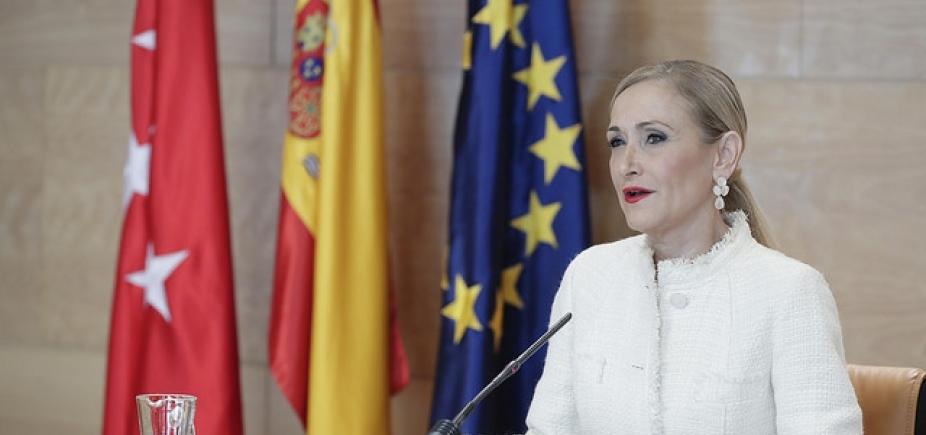 [Governadora de Madri renuncia depois de escândalo]