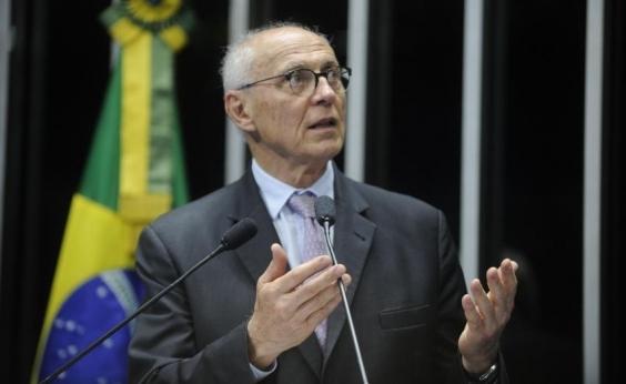 Eduardo Suplicy recebeu mais de 2 mil correspondências para entregar a Lula