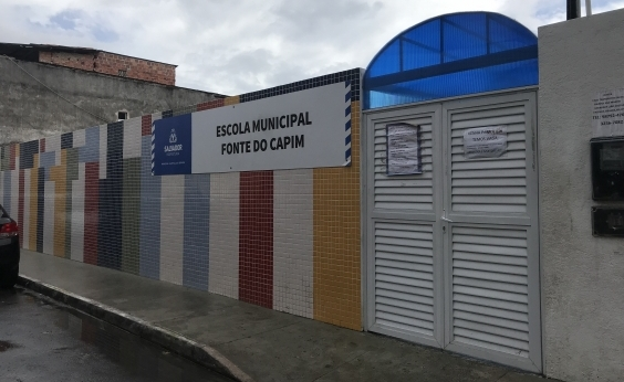 Escolas municipais reformadas acumulam rachaduras e vazamentos