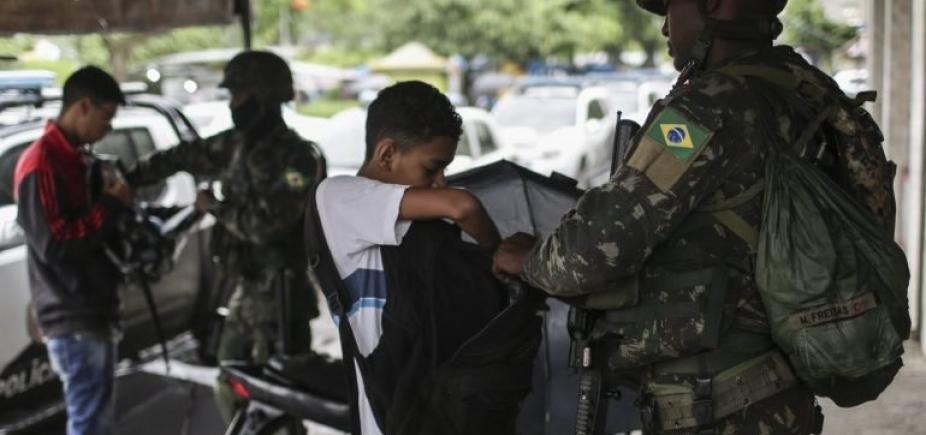 [Número de tiroteios no RJ aumentou após chegada das Forças Armadas, diz relatório ]