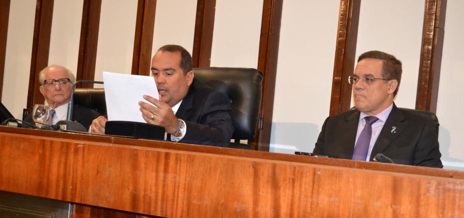 [Justiça suspende tramitação de projeto sobre divisão territorial após pedido da oposição]
