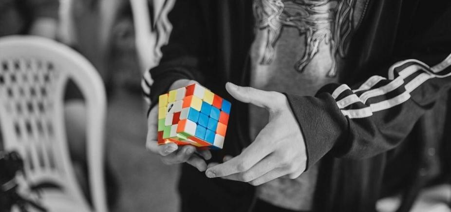 [Campeonato de cubo mágico acontece no final de semana]
