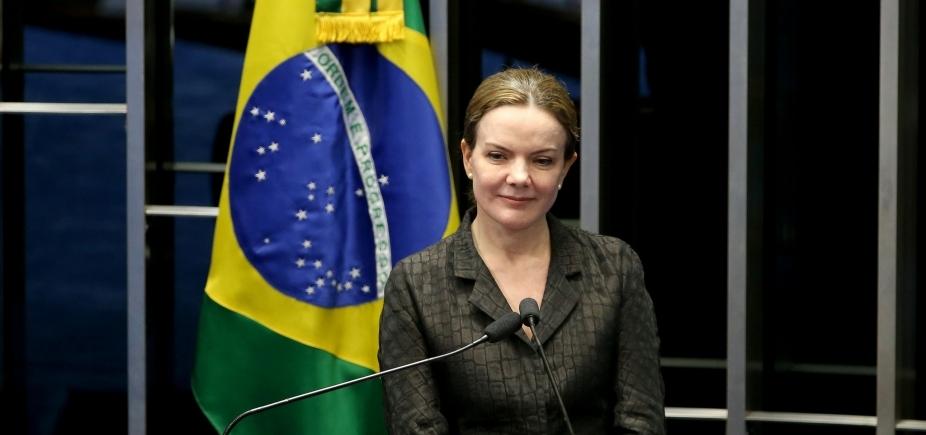 [Gleisi Hoffmann condena ataque a tiros contra acampamento pró-Lula]