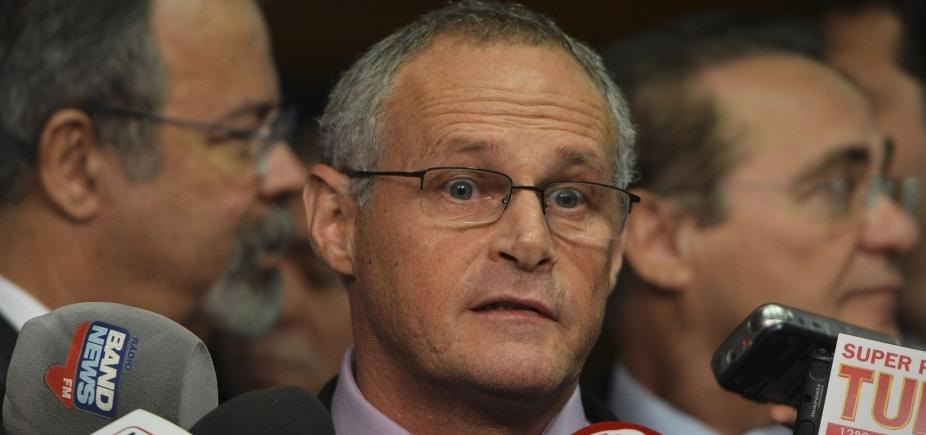 [Delator relata pagamento a ex-secretário do Rio; ele nega]