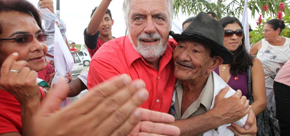 [Em Curitiba, Wagner volta a descartar substituir Lula: 'Não tem plano B']
