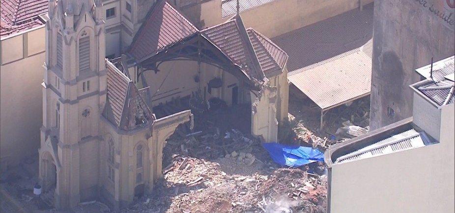 [Bombeiros encontram corpo em área de desmoronamento de prédio em SP]