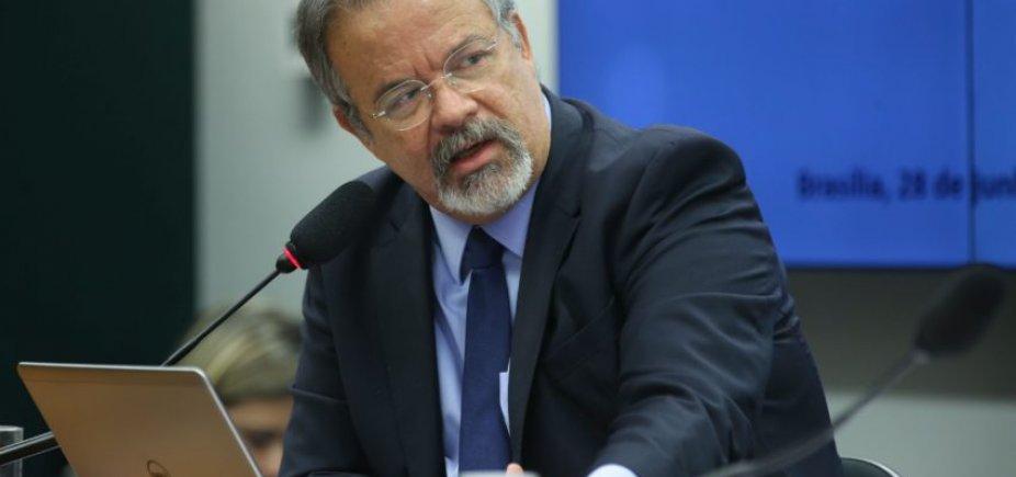 [Na contramão do Congresso, Jungmann rejeita suspender intervenção no Rio]