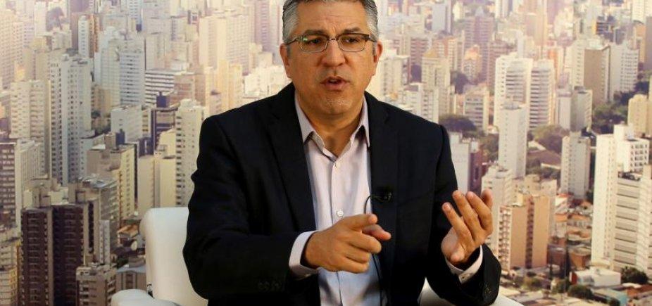 [Defesa quer cadastrar ex-ministro Alexandre Padilha como médico de Lula]