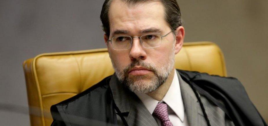 [Após Toffoli rejeitar pedido para libertar Lula, defesa estuda novo recurso]