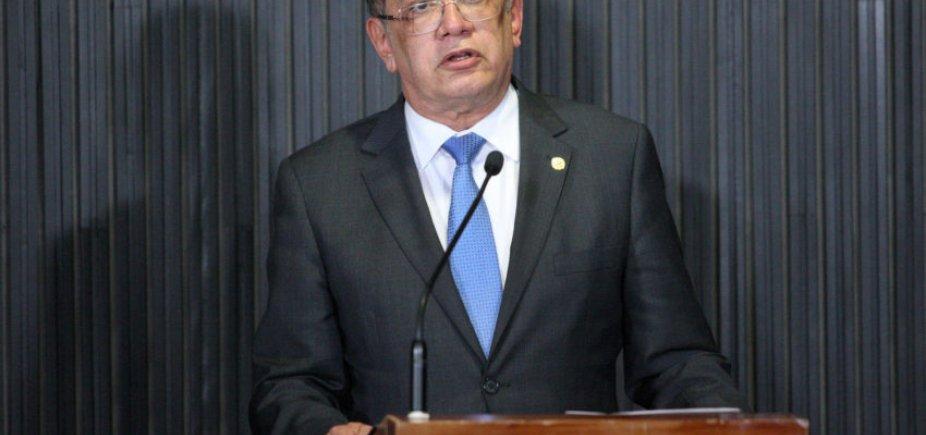 [ Gilmar Mendes quer entrevistar Lula na prisão sobre Constituinte de 1988 ]