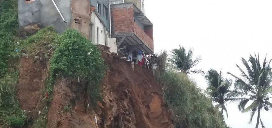 [Quatro casas são condenadas após desabamento no Rio Vermelho]