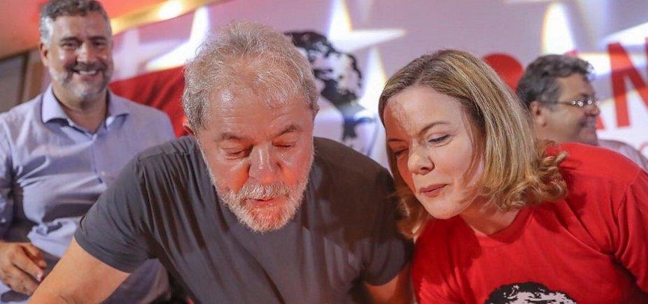 ['A campanha de Lula está pronta', garante Gleisi]
