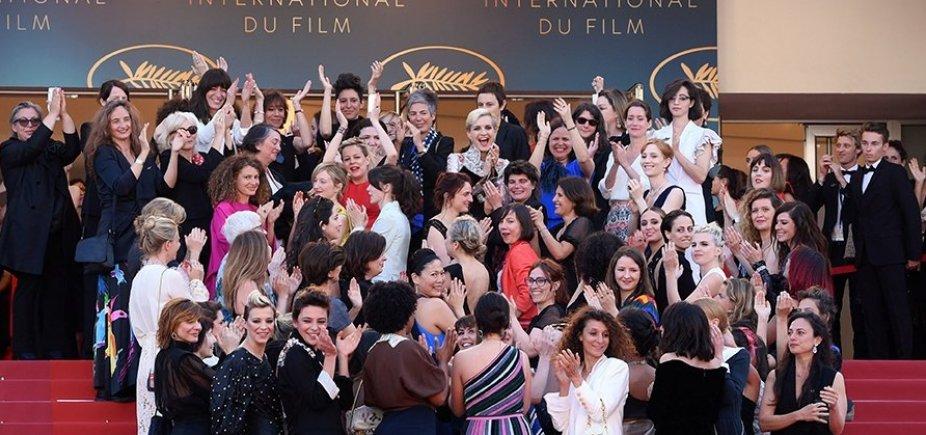[Marcha no tapete vermelho de Cannes pede igualdade de gênero no cinema]