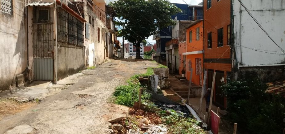 [Leitor reclama de rua abandonada em Macaúbas: 'Nada é feito' ]