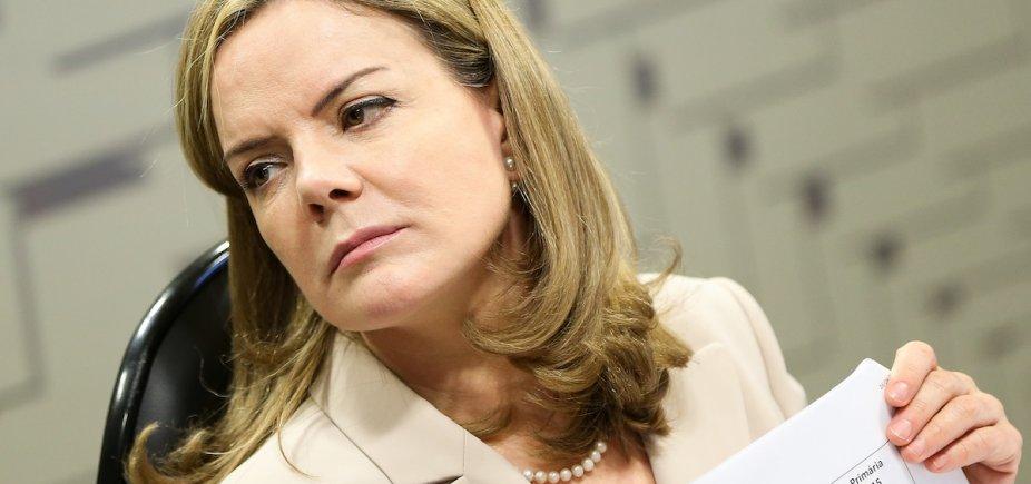 [Senado: com questões de Lula, Gleisi esteve ausente em quase metade das votações]