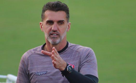 ['Quero apenas respeito', diz Mancini após confusão com torcedor do Vitória]