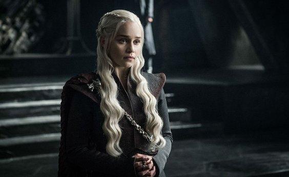 [Para evitar spoilers, vários finais de Game of Thrones estão sendo filmados]