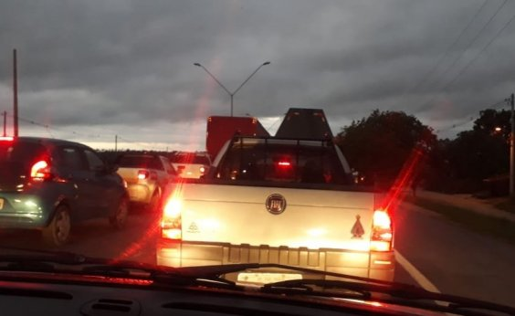[Caminhoneiros protestam contra alta do diesel e bloqueiam rodovias baianas]