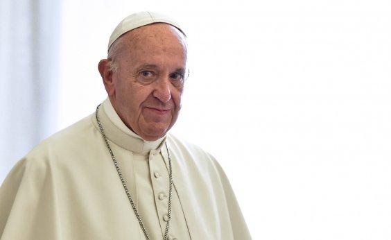 ['Deus te fez assim e te ama', diz papa Francisco a homossexual abusado por padre ]