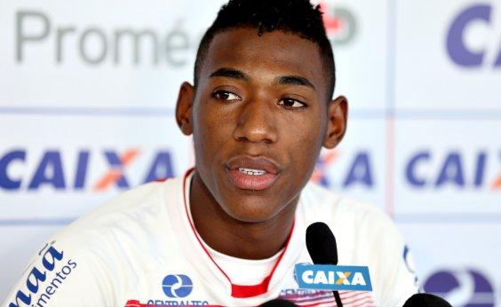 [Lateral revela incômodo com situação do Bahia na temporada: 'Até para dormir é difícil']
