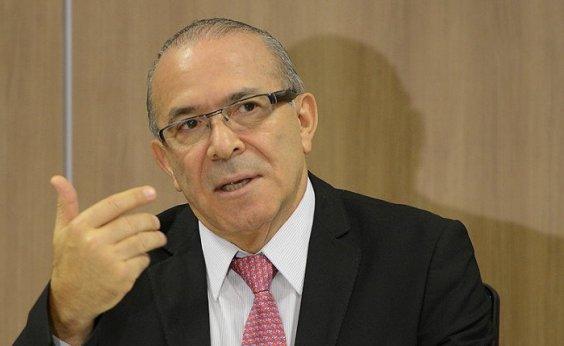 [Governo marca reunião com Petrobrás para rever preço de combustível, diz Padilha]
