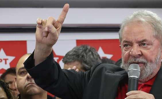 [Em carta a prefeitos, Lula diz que até adversários deveriam defender a candidatura dele]