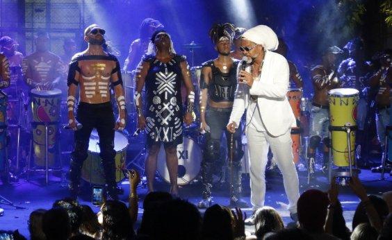 [Timbalada lança 'Rei Gonzaga': 'A música carnavalesca é junina', diz Carlinhos Brown]