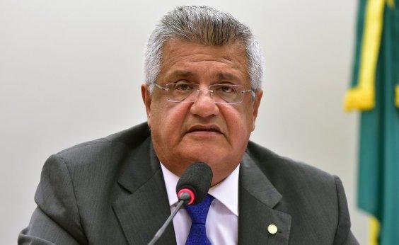 [Álvaro Dias não pode 'incorporar posições retrógradas do DEM', diz Bacelar]