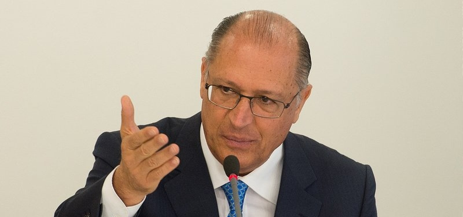 ['Bolsonaro e PT são a mesma coisa, corporativismo puro', diz Alckmin]