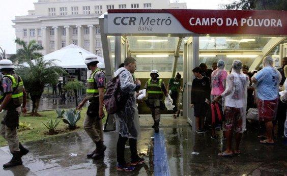[Sem ônibus, metrô vai funcionar até mais tarde por causa do jogo do Bahia]