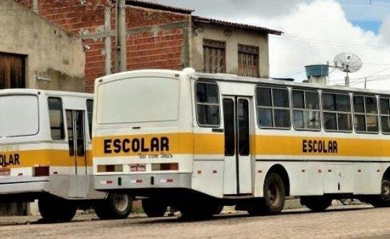 [Ônibus escolares não rodam em Jacobina por falta de combustível]