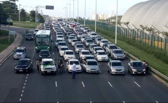 [Motoristas de aplicativos e motociclistas fazem protestos em Salvador]